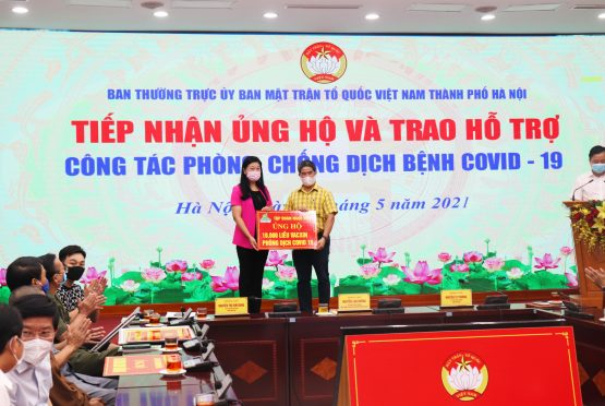Ngoc Diep Group donates 10,000 doses of Covid-19 vaccine