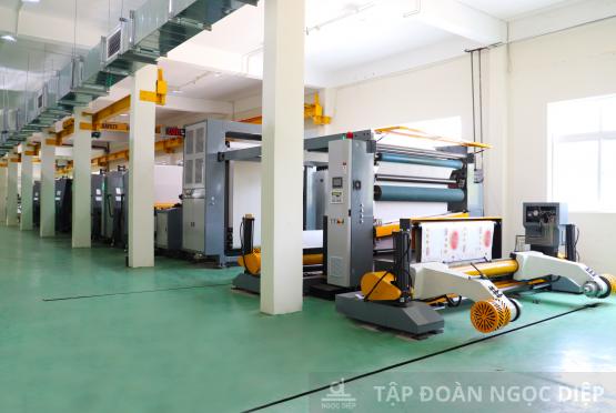 Ứng dụng công nghệ in cuộn hiện đại trong sản xuất Bao bì carton